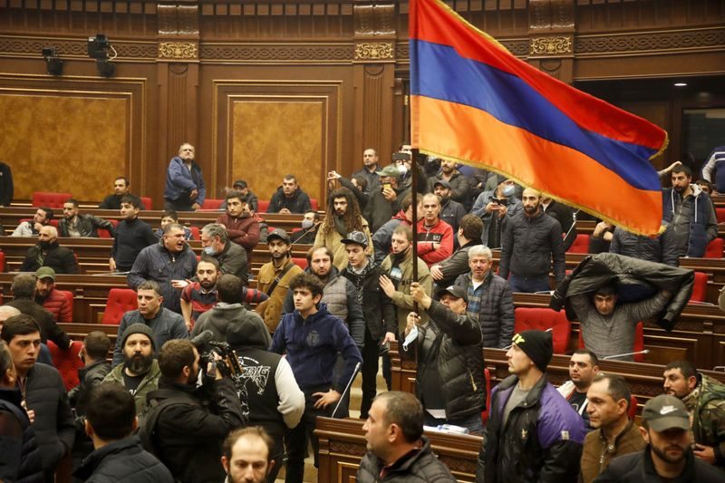 Copy of APTOPIX_Armenia_Azerbaijan_83338.jpg-8a282-1605008593890