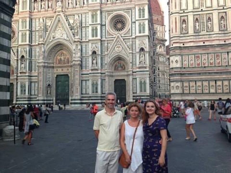 Rebekah Heaney with her mother and father on holiday in Florence