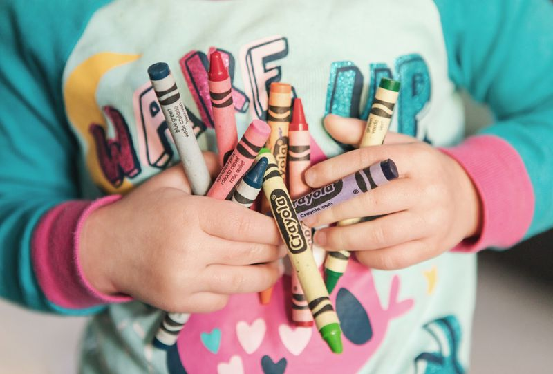 kids crayons