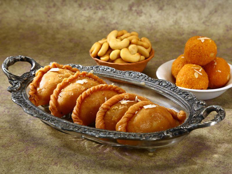 Date and nut ragi gujiya