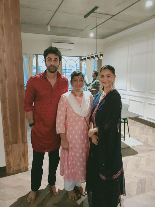 Alia and Ranbir Kapoor celebrating Diwali 2020