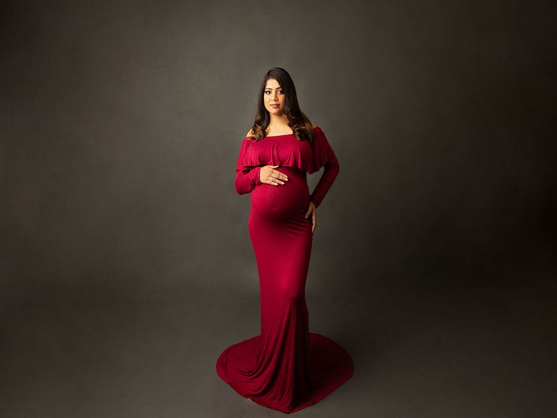 SAHER FAHAD: Saher is an exclusive newborn, maternity and family photographer who creates gorgeous fine-art pregnancy images. She has an elegant and sophisticated style to her photography and owns a fully equipped studio with a range of boutique-style maternity gowns used in her sessions.