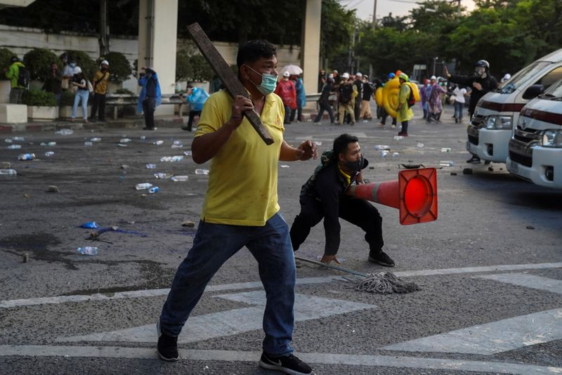 Copy of 2020-11-17T161241Z_878552289_RC245K9JY9OD_RTRMADP_3_THAILAND-PROTESTS-1605691697825