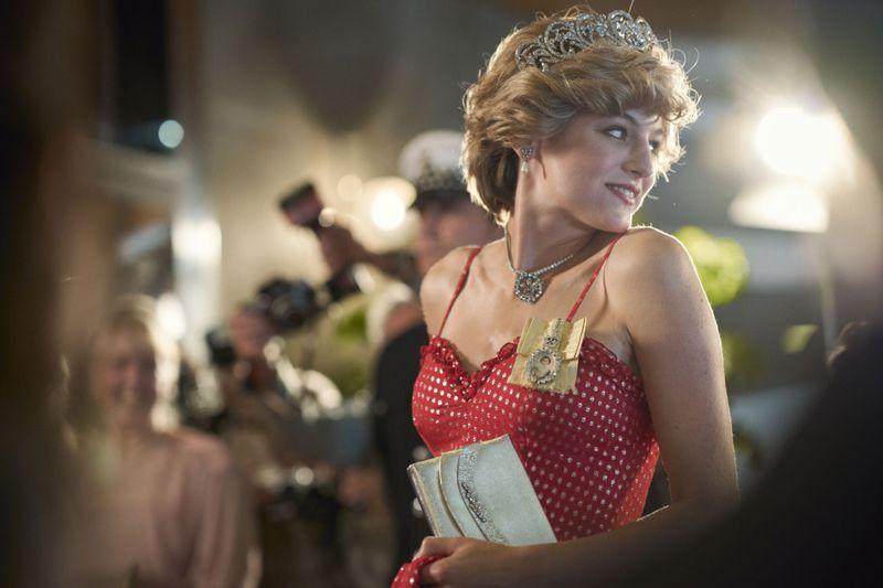 Emma Corrin as Princess Diana MAIN-1605687437683