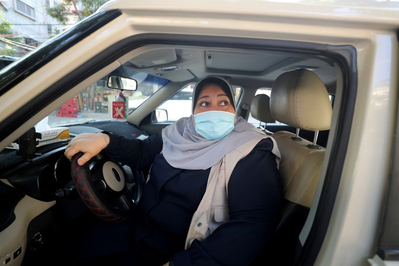 Copy of 2020-11-19T105142Z_650930272_RC2A6K9UXIKT_RTRMADP_3_PALESTINIANS-LIFE-WOMAN-TAXI-1606102263856