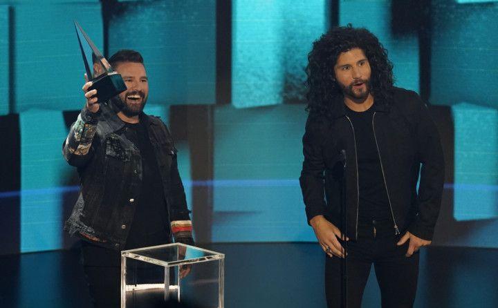 Copy of American_Music_Awards_11554.jpg-63ecd-1606114623657