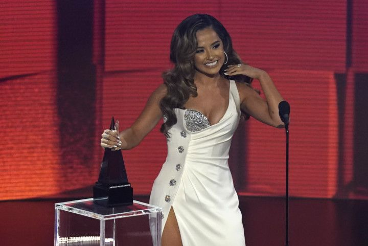 Copy of American_Music_Awards_40932.jpg-0d4e1-1606114630449