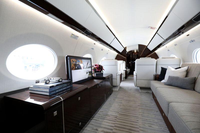 jet 12-1606124151105