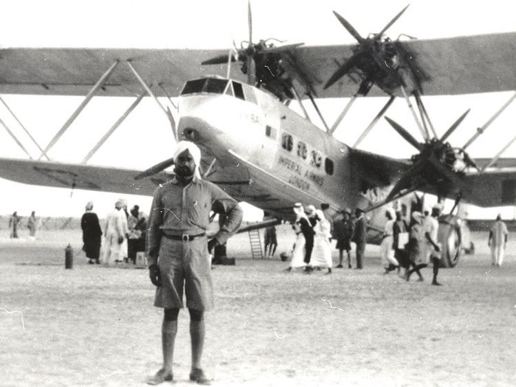 Sharjah Airport 1932 The Hanno, the first flight lands in Sharjah from Gwadar on 5th October 1932.