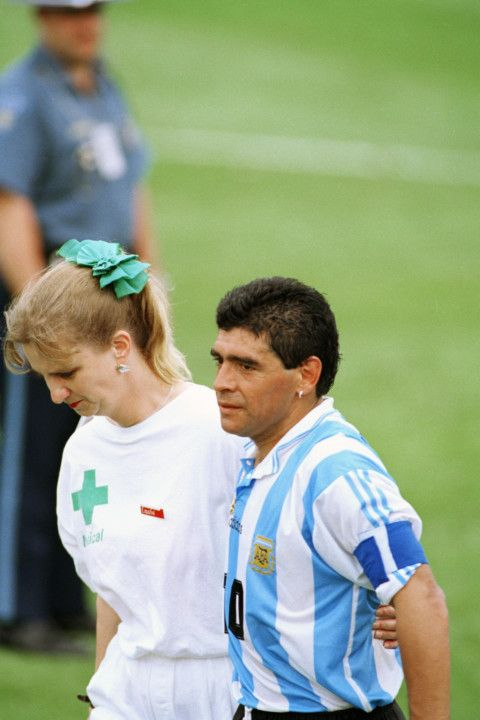 Copy of Maradona_Obit_97773.jpg-8d43d-1606324034377