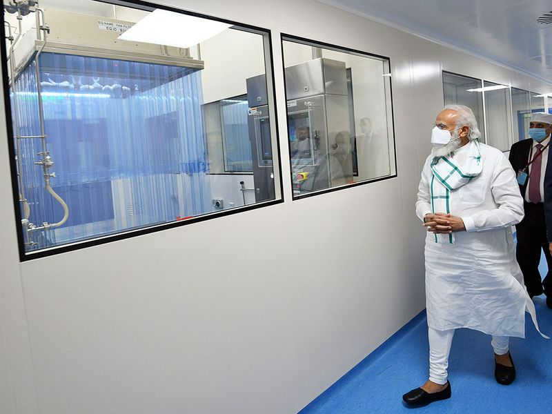 Prime Minister Narendra Modi visits the Serum Institute of India, in Pune.