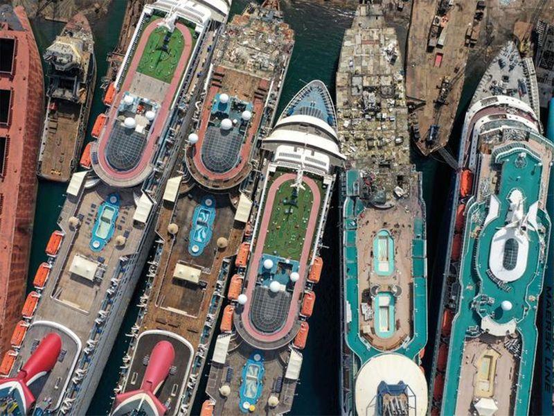 20201130 cruise ships
