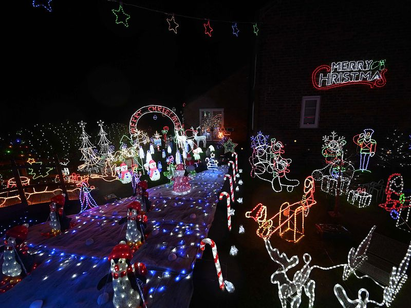 20201204 light display 6