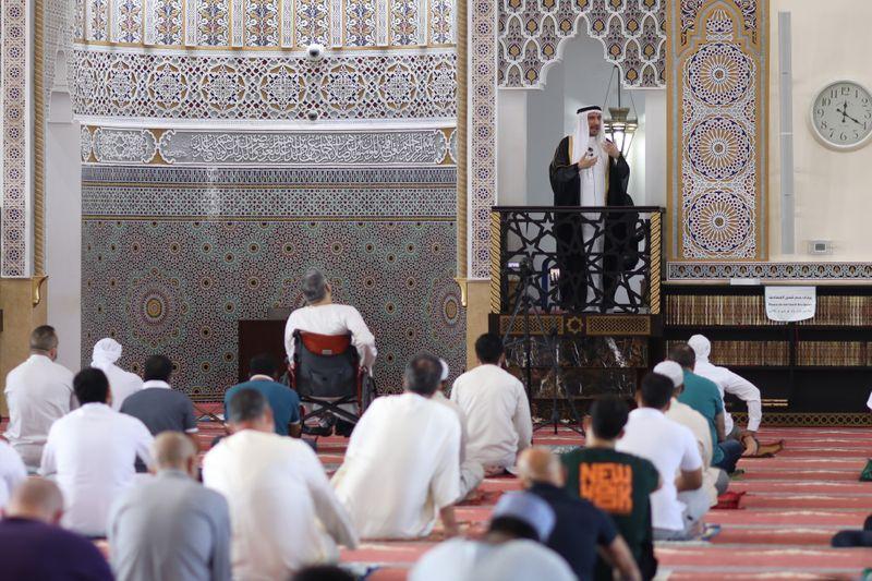 NAT 201204 Friday Prayer Blue Mosque CE008-1607073617398