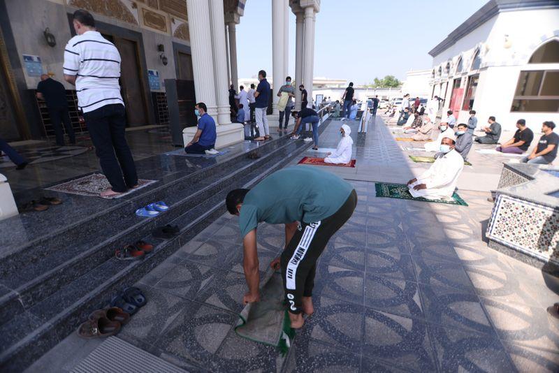 NAT 201204 Friday Prayer Blue Mosque CE015-1607073574820