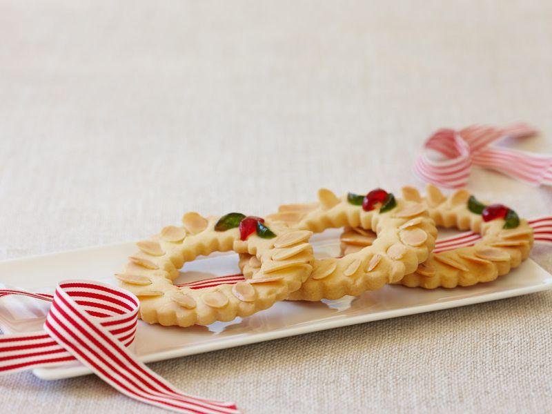 Shortbread wreaths