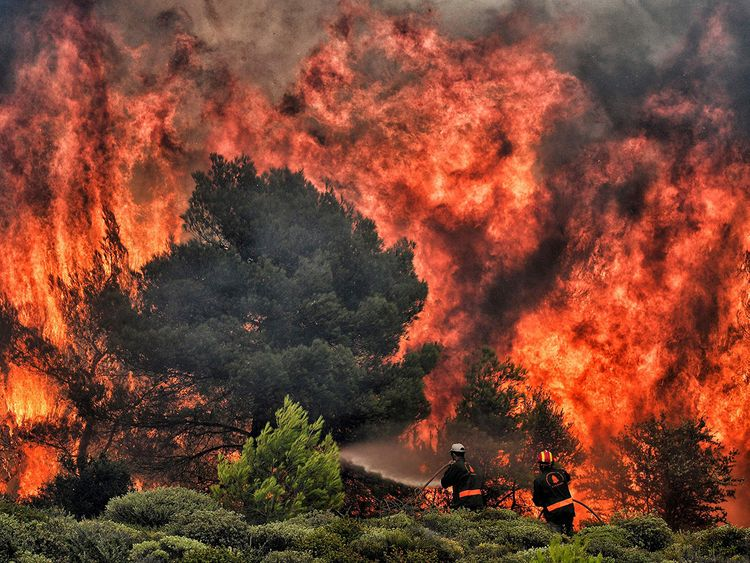 180730-greece-fire-ac-1047p_0be348122af0101e78d01be33ba2c127-1608122008623