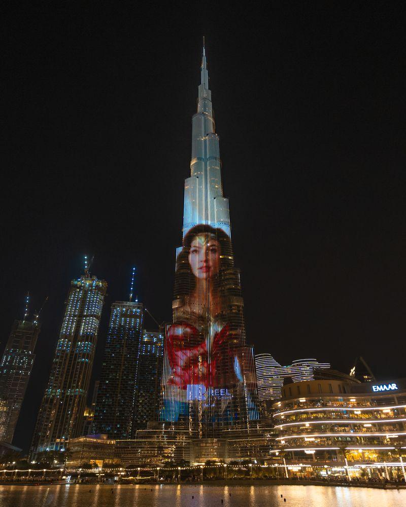 Wonder Woman displayed on Burj Khalifa facade