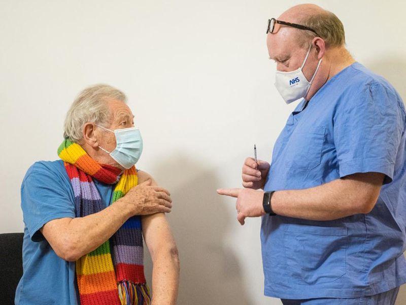 Ian McKellen gets the COVID-19 vaccine