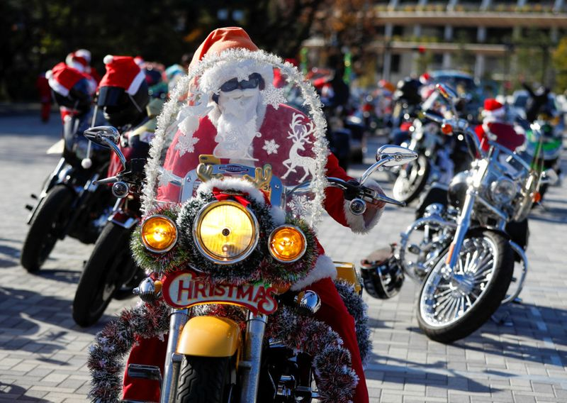 Copy of 2020-12-20T065312Z_134808089_RC2UQK98OWQO_RTRMADP_3_CHRISTMAS-SEASON-JAPAN-HARLEY-DAVIDSON-1608542428235