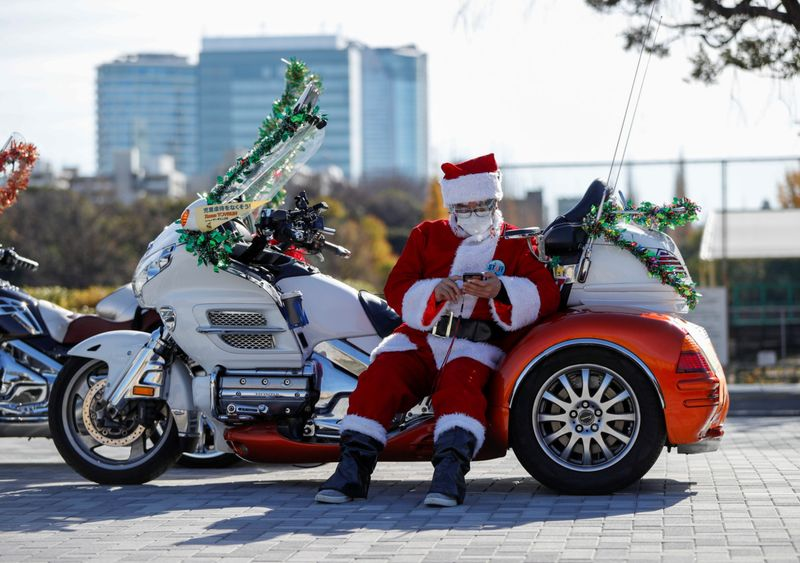 Copy of 2020-12-20T070540Z_645667476_RC2VQK9XP295_RTRMADP_3_CHRISTMAS-SEASON-JAPAN-HARLEY-DAVIDSON-1608542405220