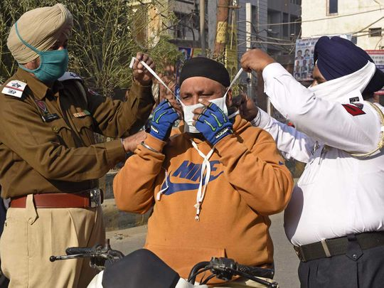 India police mask covid Amritsar