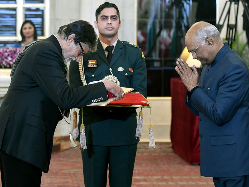 Amitabh Bachchan receives Dadasaheb Phalke Award from President Ram Nath Kovind at Rashtrapati Bhavan.