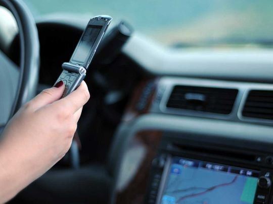 Driving and using the mobile phone