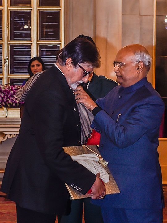 President Ram Nath Kovind presents the Dada Saheb Phalke Award for the year 2018 to veteran Bollywood actor Amitabh Bachchan, conferred for his contribution to the Indian film industry.