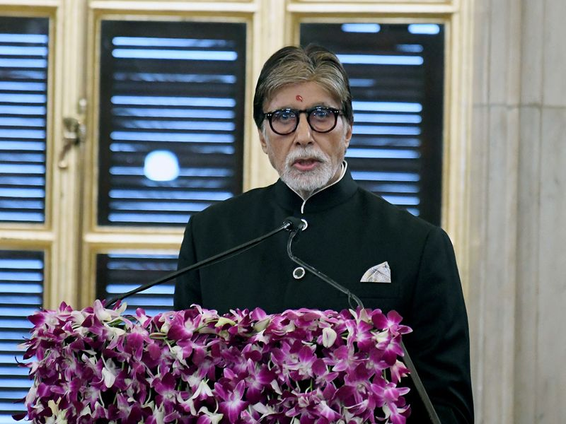 Veteran actor Amitabh Bachchan addresses after receiving Dadasaheb Phalke Award from President Ram Nath Kovind at Rashtrapati Bhavan.