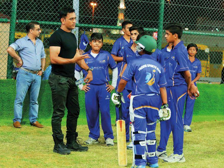 Cricket-Dhoni