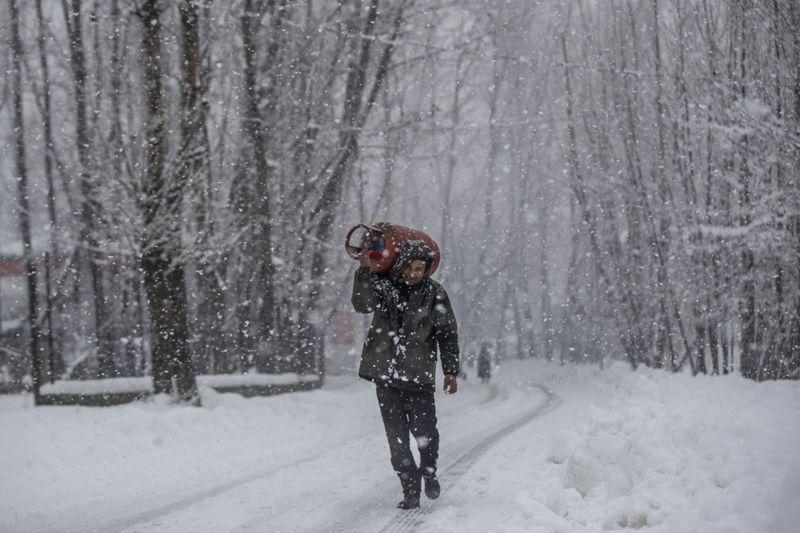 Copy of India_Kashmir_Weather_02740.jpg-47f72-1609913313090