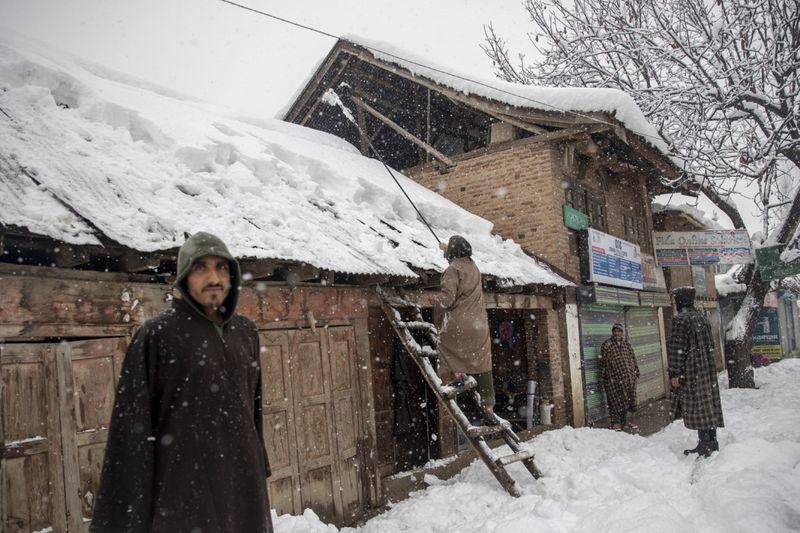 Copy of India_Kashmir_Weather_32996.jpg-b9aa1-1609913306141