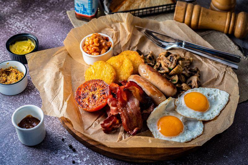 Breakfast at Barasti