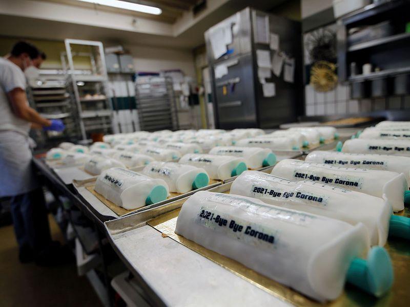 Syringe cakes gallery