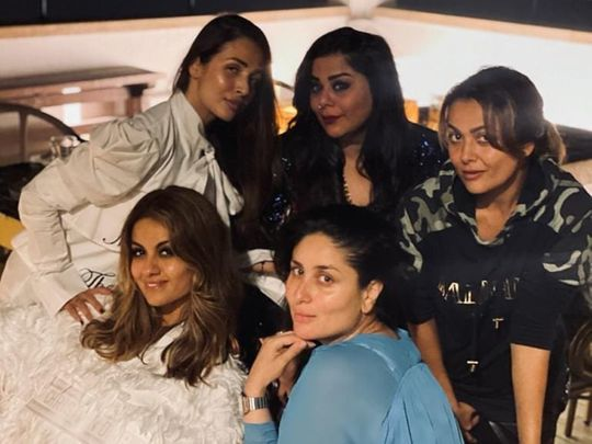 Kareena Kapoor with her friends