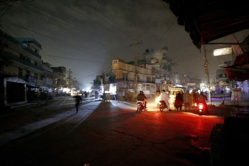 Copy of Pakistan_Power_Outages_12879.jpg-77995-1610268648798