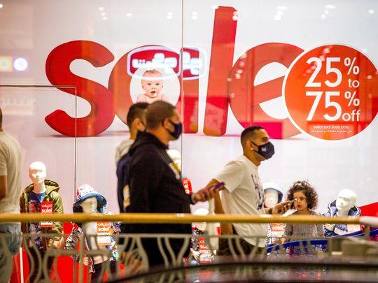 Stock Dubai shopping, shoppers, economy DSF