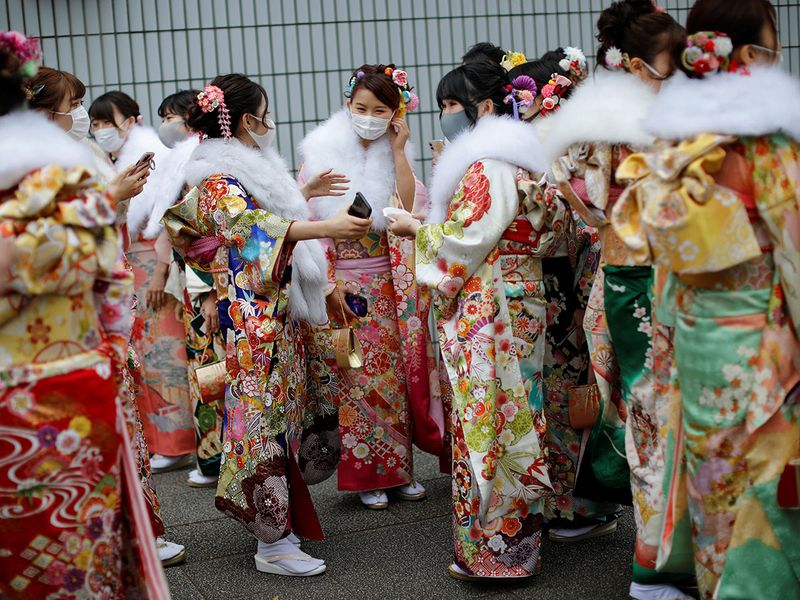 Copy-of-2021-01-11T032035Z_1824602829_RC2F5L9EZWIF_RTRMADP_3_HEALTH-CORONAVIRUS-JAPAN-CELEBRATIONS