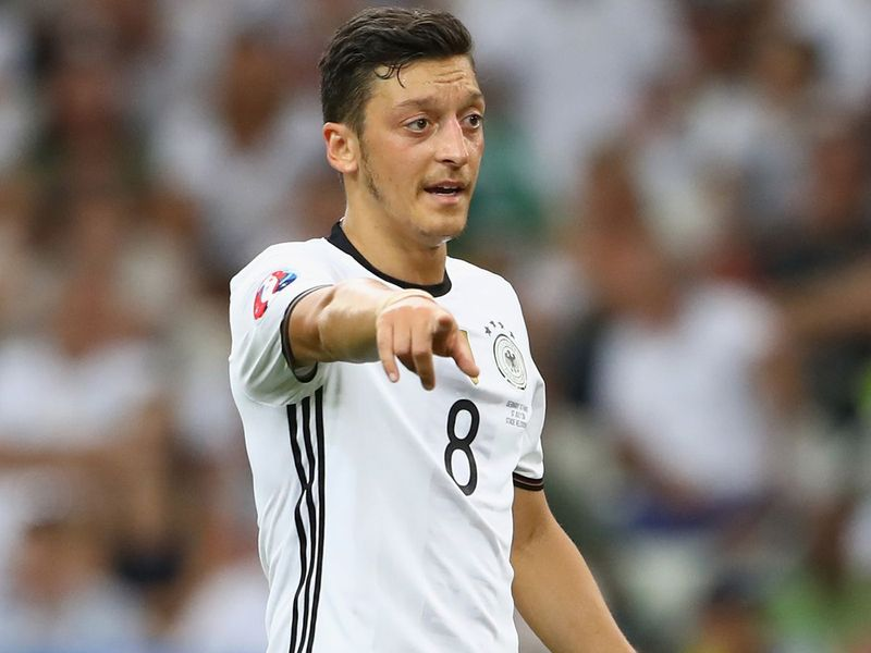 Mesut Ozil plays for Real Madrid.