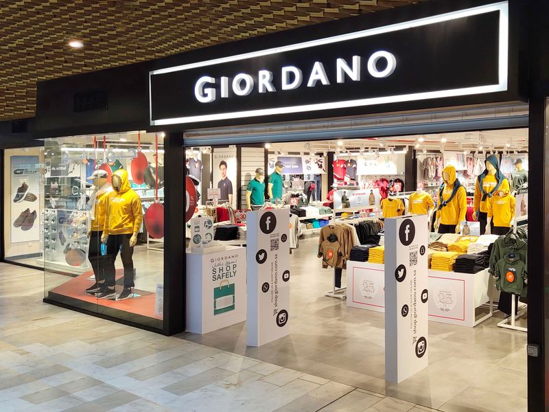 Fashion label Giordano opens its biggest Middle East flagship store