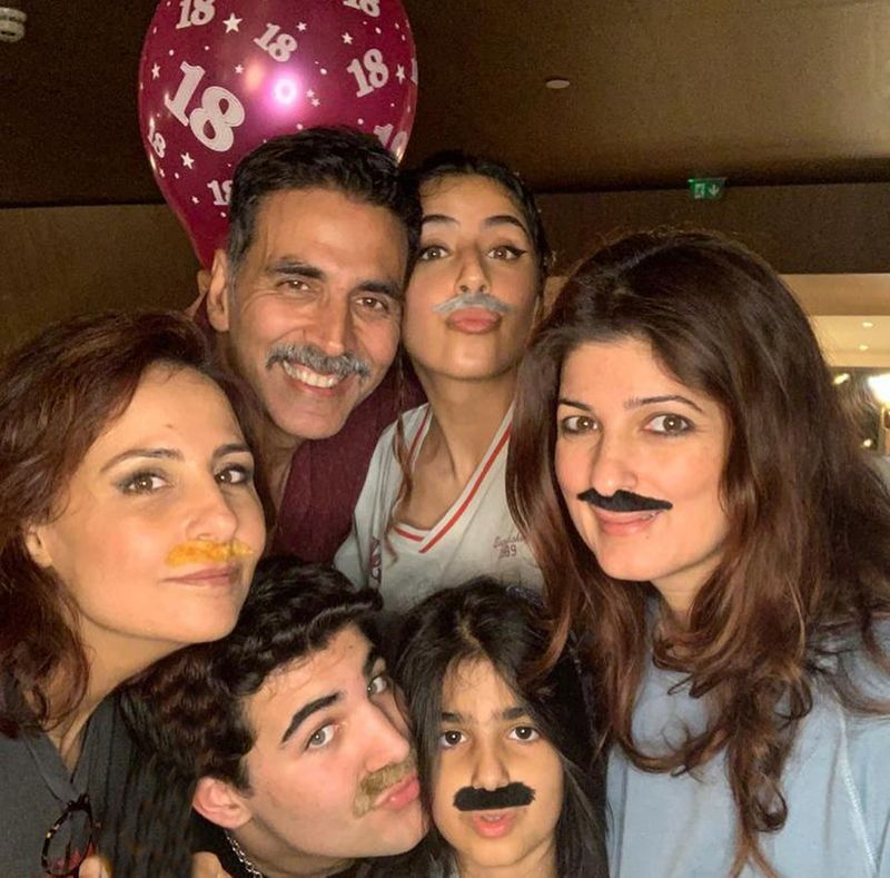 Akshay Kumar, Twinkle Khanna with their kids and other friends