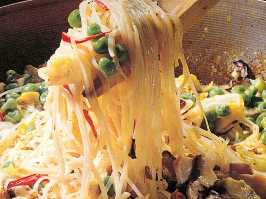 Stir fry curry rice noodles