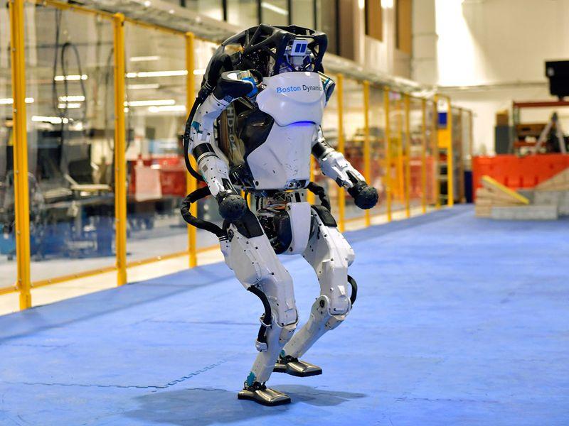 Dancing_Robots_Tech_37730