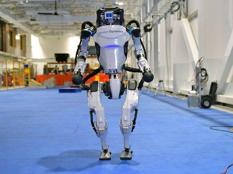 Dancing_Robots_Tech_49219
