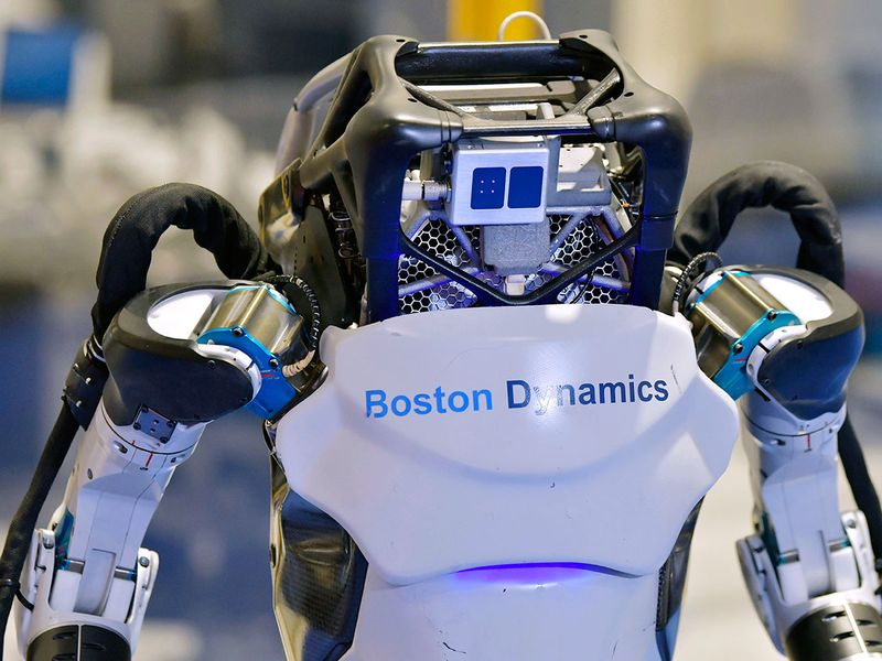 Dancing_Robots_Tech_71177