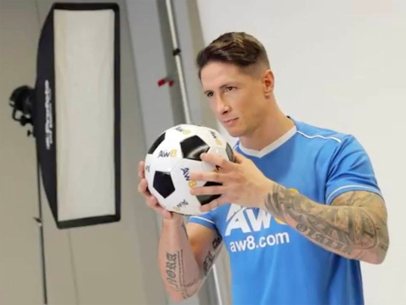 He looks just like a transvestite torres torres