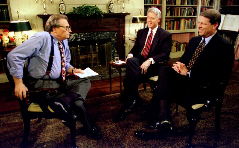 Larry King with US President Bill Clinton and Vice-President Al Gore