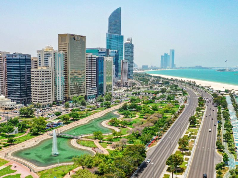 Abu Dhabi issues 4,210 fines in a week for COVID-19 violations