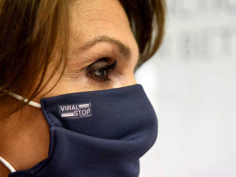 Viral stop face mask France